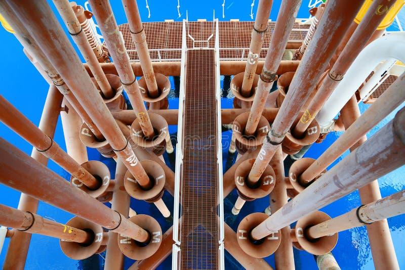 Piattaforma offshore della costruzione per il petrolio ed il gas di produzione Olio e industria del gas e duro lavoro Piattaforma fotografia stock libera da diritti