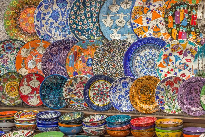 Piatti al grande bazar a Costantinopoli fotografia stock libera da diritti