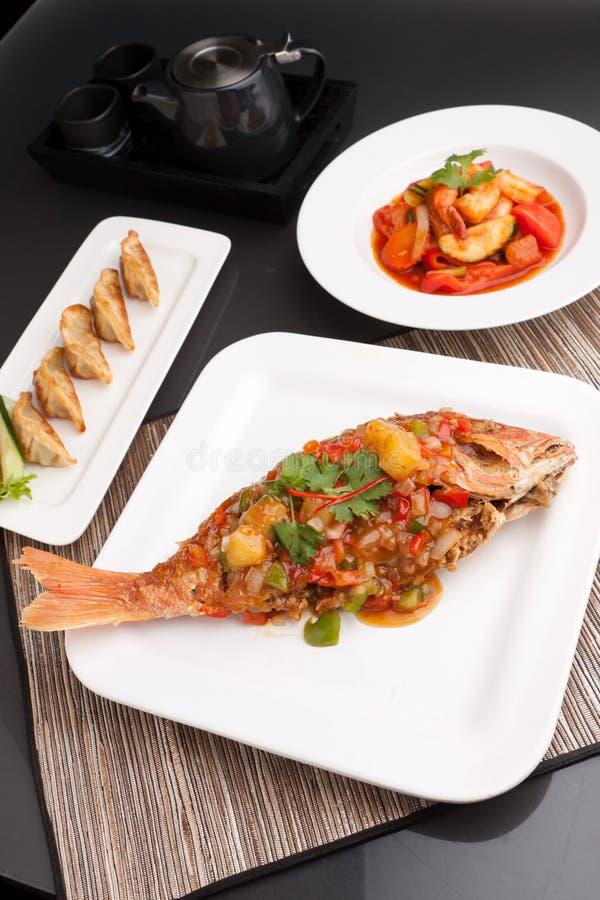 Piatti tailandesi dei frutti di mare di stile immagine stock