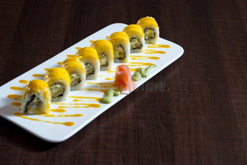 Piatto appena preparato dei sushi immagini stock
