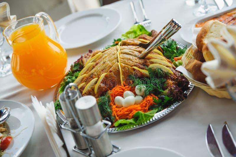 Piatto appetitoso su un piatto. alimento e bevanda del ristorante fotografia stock