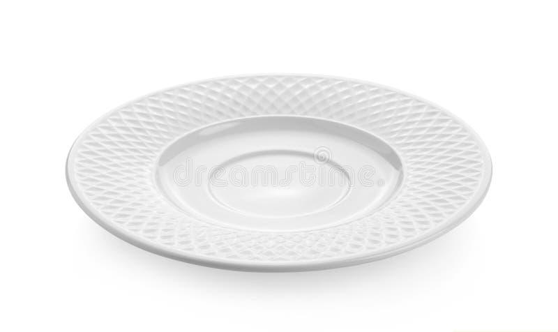 Piatto ceramico vuoto isolato su fondo bianco immagini stock