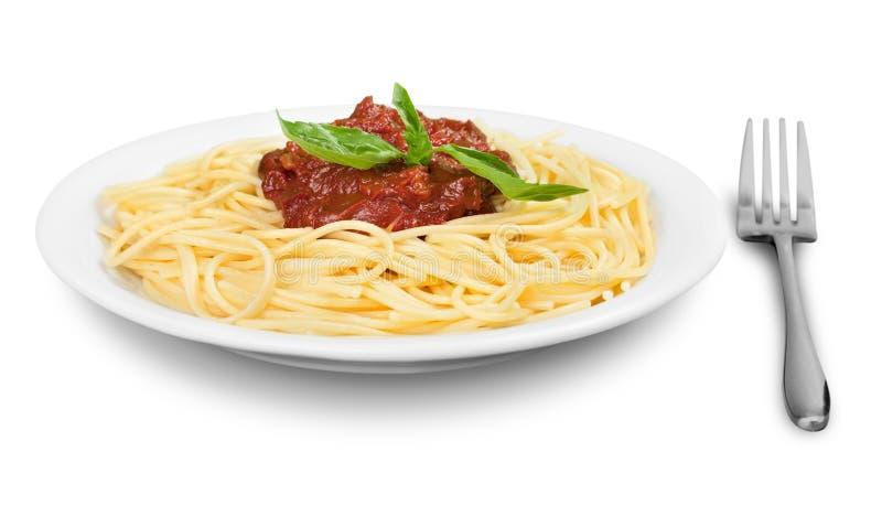 Download Piatto Con Gli Spaghetti, La Salsa Ed Il Basilico Su Bianco Fotografia Stock - Immagine di formaggio, pasto: 117980718