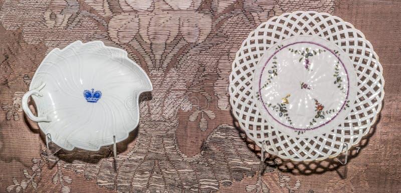 Piatto d'annata saxony Farfor, metà del XVIII secolo immagine stock