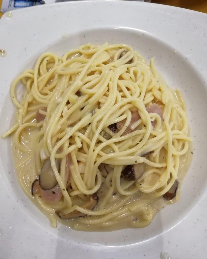 Piatto della pasta di Carbonara fotografia stock
