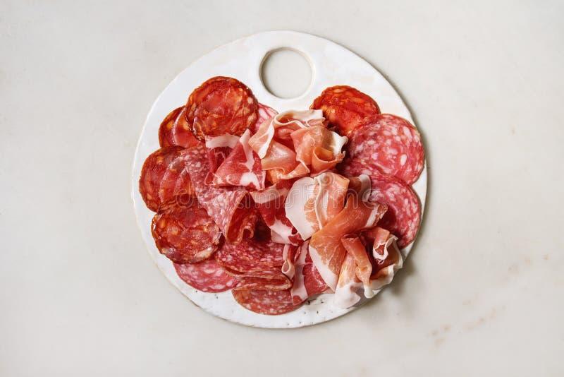 Piatto di assorti della carne immagine stock