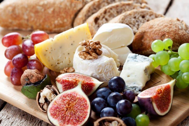 Piatto di formaggio immagini stock