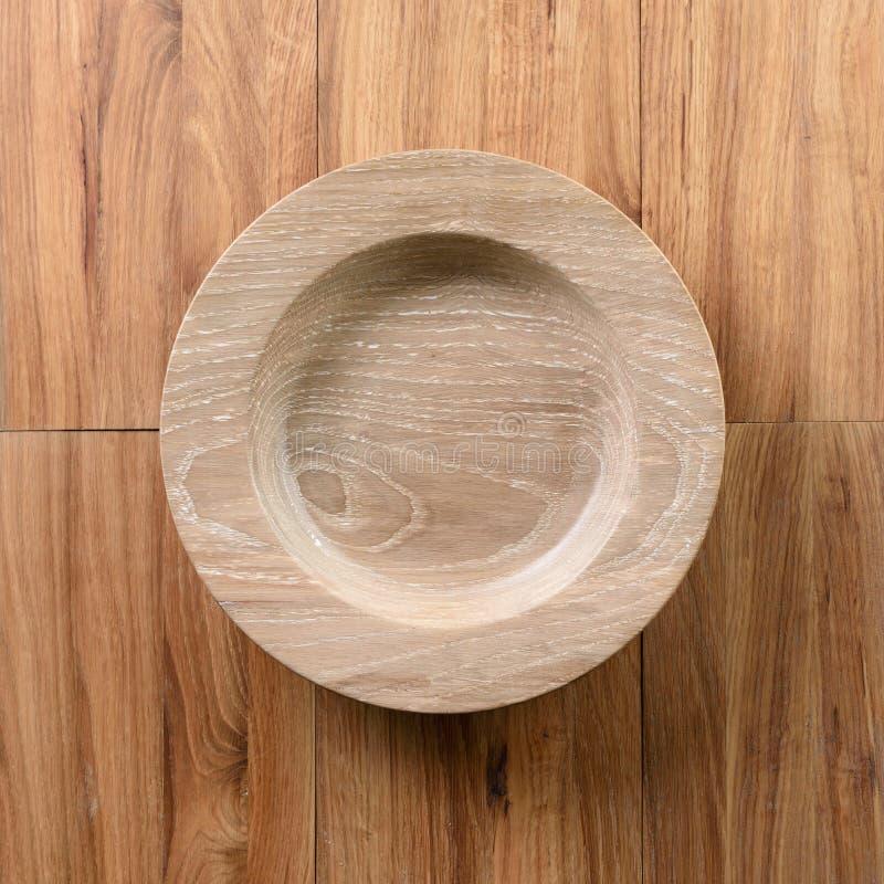Piatto di legno vuoto della quercia sopra la vista fotografie stock libere da diritti