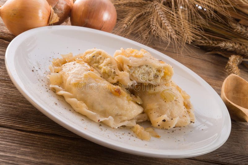 Piatto di Pierogi.Polish immagine stock