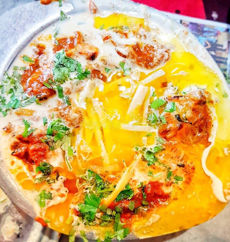 Piatto di pollo extra del burro piatto squisito con tutto extra immagini stock libere da diritti