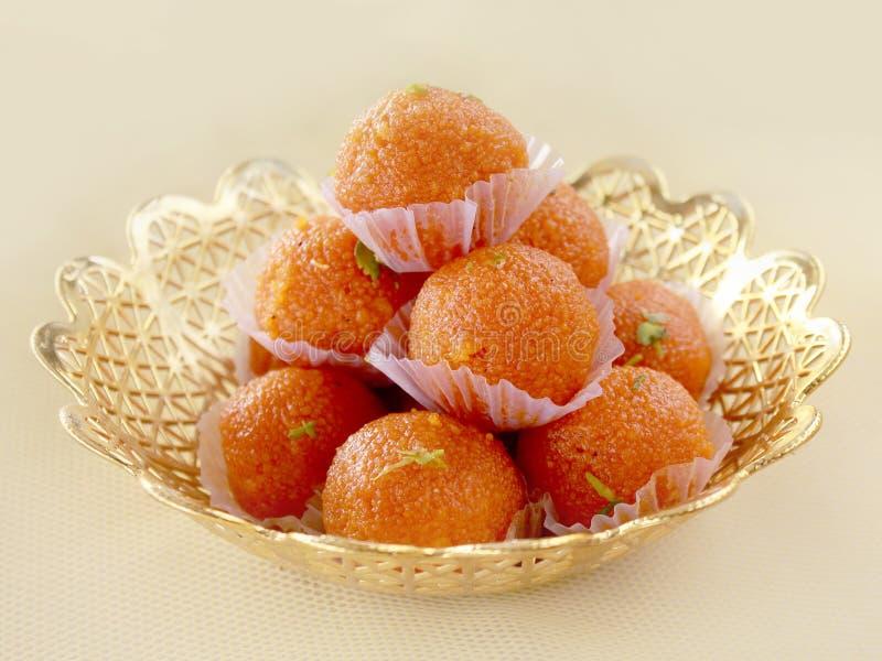 Piatto dolce indiano Motichoor Ladoos immagini stock libere da diritti