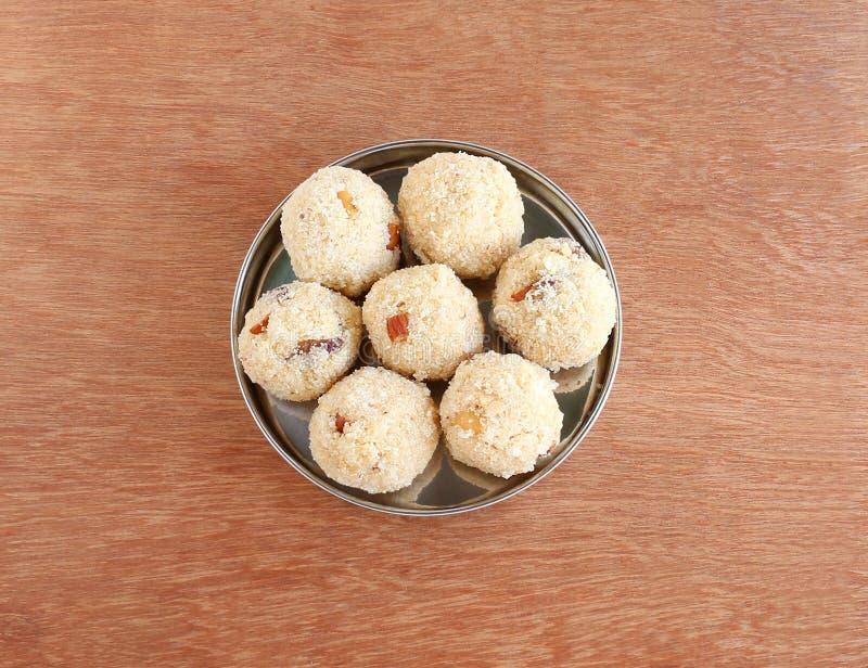 Piatto dolce indiano Rava Laddu fotografie stock libere da diritti
