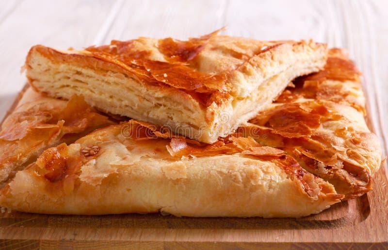 Piatto georgiano tradizionale di pane riempito formaggio fotografia stock