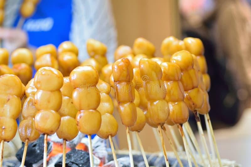 Piatto giapponese del dolce dello gnocco del riso di Dango dell'alimento della via fotografie stock