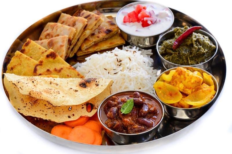 Piatto indiano del pasto-sugo servito con flatbread fotografia stock