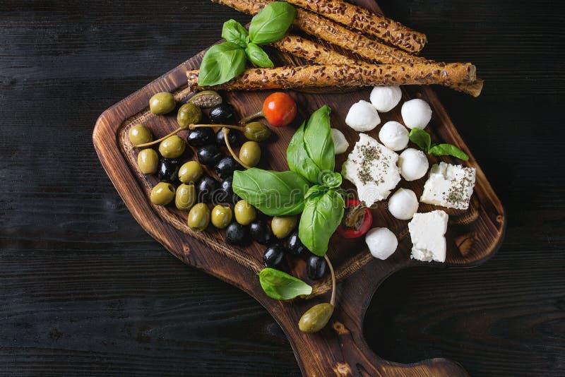 Piatto Mediterraneo dell'aperitivo immagine stock