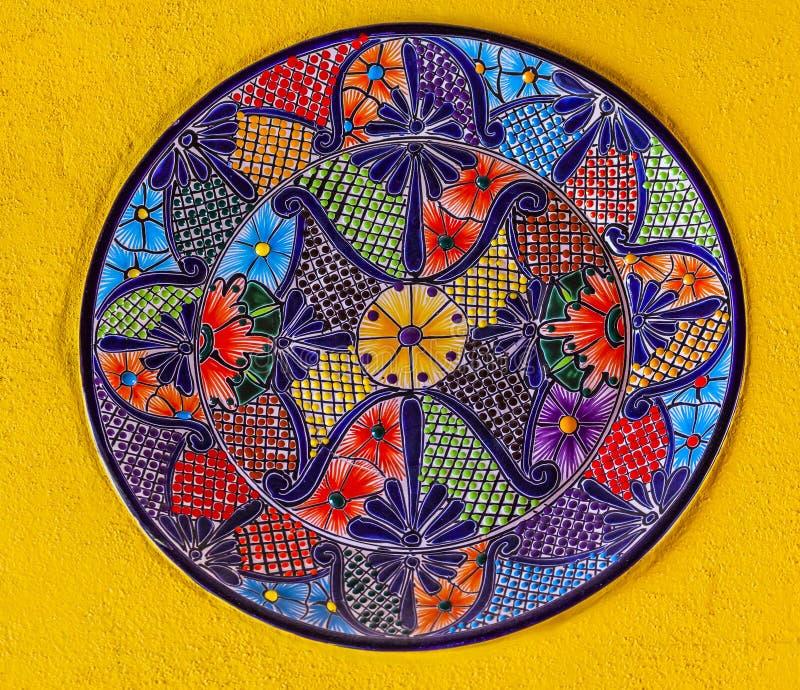 Piatto messicano ceramico variopinto Guanajuato Messico fotografia stock