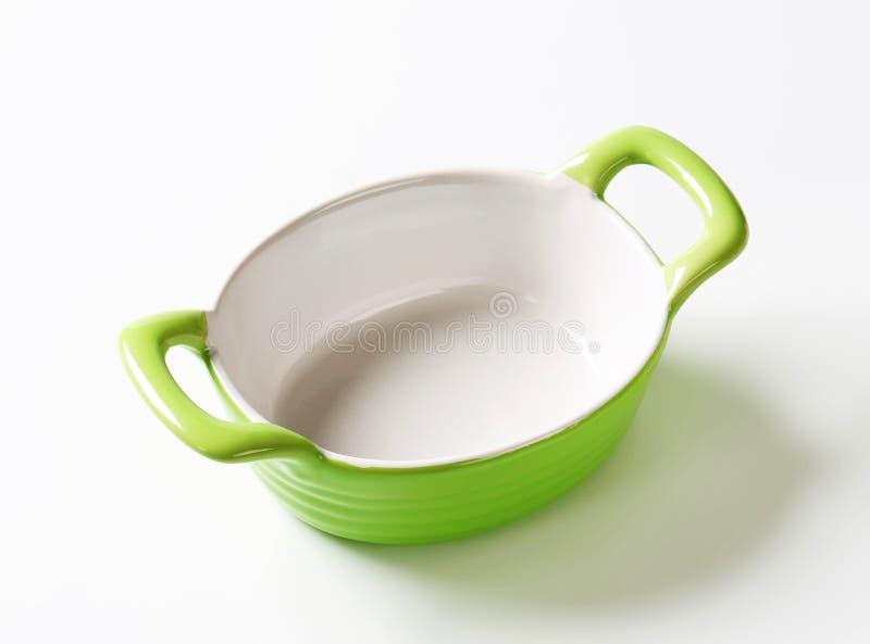 Piatto ovale ceramico di cottura fotografia stock