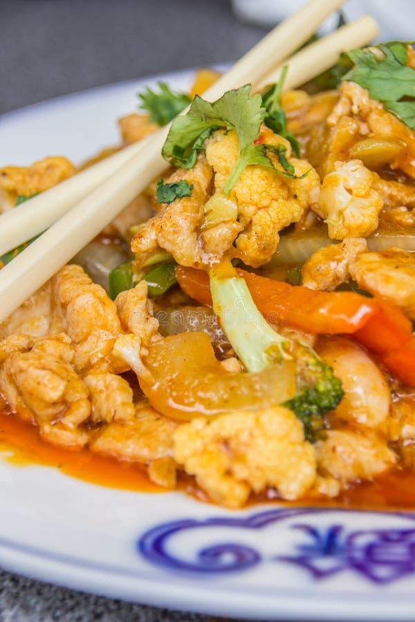Piatto tailandese con il pollo, la citronella ed il latte di cocco immagini stock libere da diritti