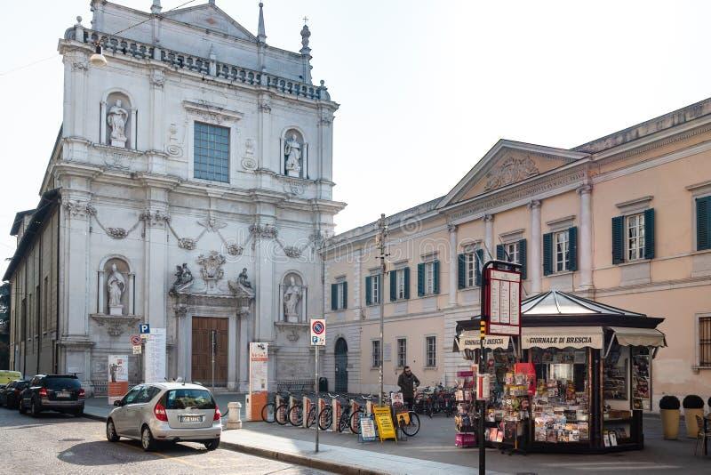 Piazza Arturo Benedetti Michelangeli à Brescia images libres de droits