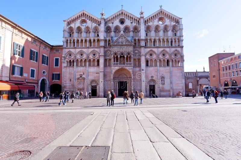 Piazza Cattedrale en Ferrara Kathedraal, Italië royalty-vrije stock afbeeldingen