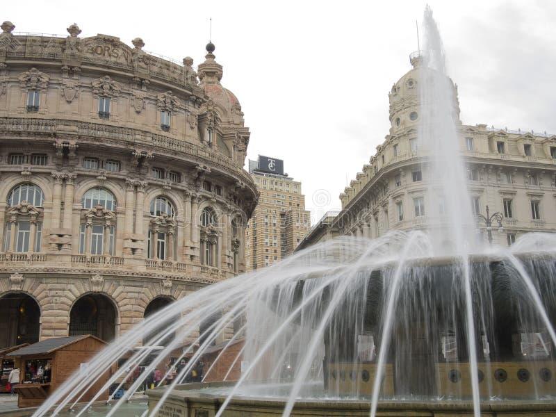 Piazza de Ferrari, il dettaglio quadrato principale di Genova della fontana immagini stock