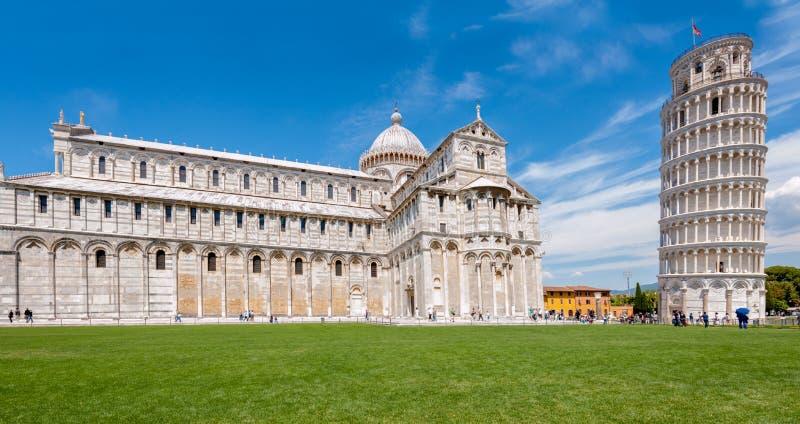 Piazza dei Miracoli complex met de leunende toren van Pisa, Italië royalty-vrije stock fotografie