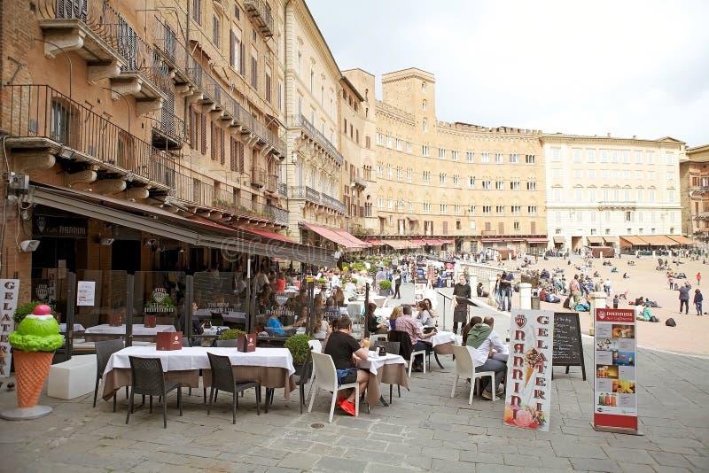 Piazza del campo, Siena, Toscanië, Italië stock foto's