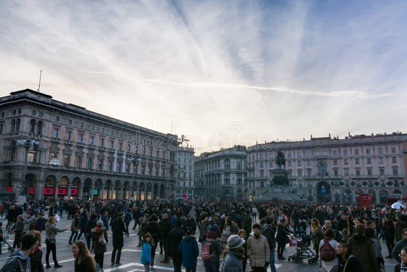 Piazza del Duomo Crowd de Winter van 2016 Zonsondergang Architectuur Overvol T stock foto's