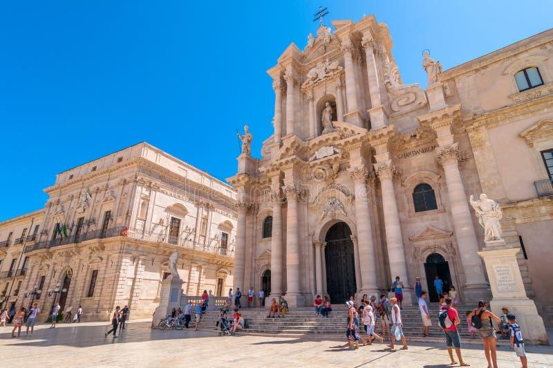 Piazza del Duomo dans Ortigia, Syracuse, Italie photos libres de droits