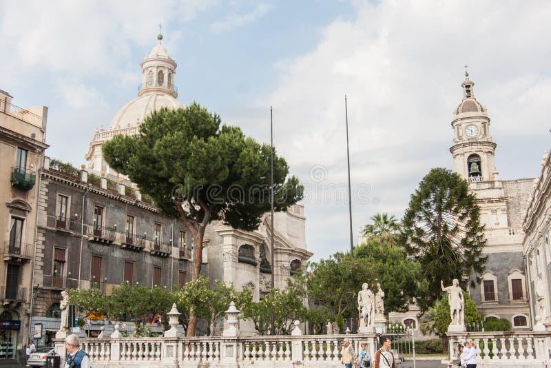 Piazza del Duomo e st Agatha Cathedral, Catania fotografia stock
