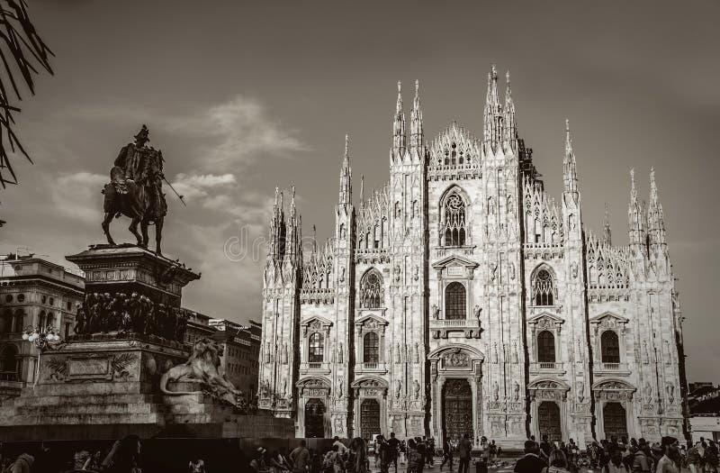 Piazza del Duomo en Milano imagen de archivo libre de regalías