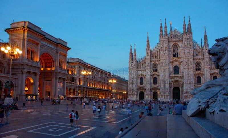 Piazza del Duomo, Milán imágenes de archivo libres de regalías