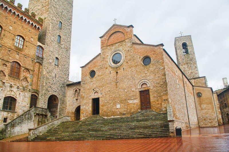 Piazza del Duomo in San Gimignano, Toscanië stock foto's