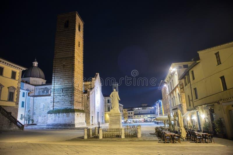 Piazza Del Duomo w Pietrasanta LU fotografia stock