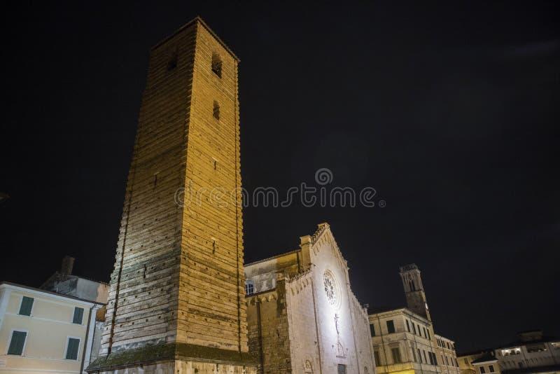 Piazza Del Duomo w Pietrasanta LU zdjęcie royalty free