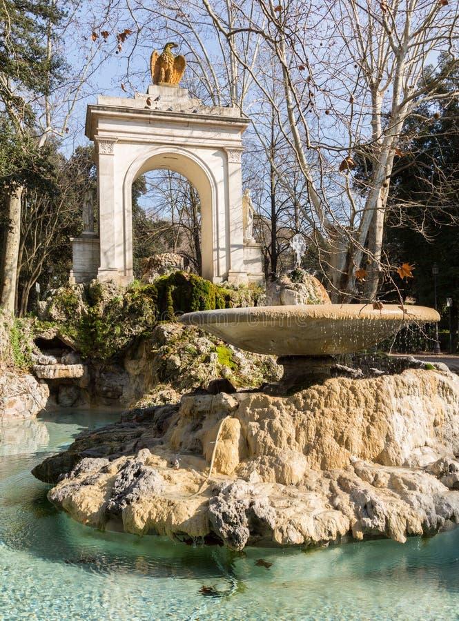 piazza del Fiocco曲拱和喷泉在罗马 库存照片