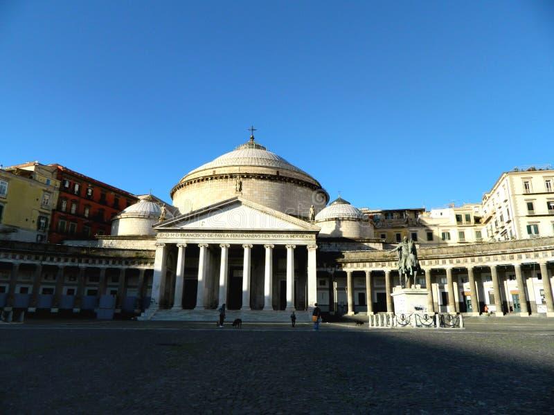 Piazza del Plebiscito entre las sombras y las luces imagen de archivo libre de regalías