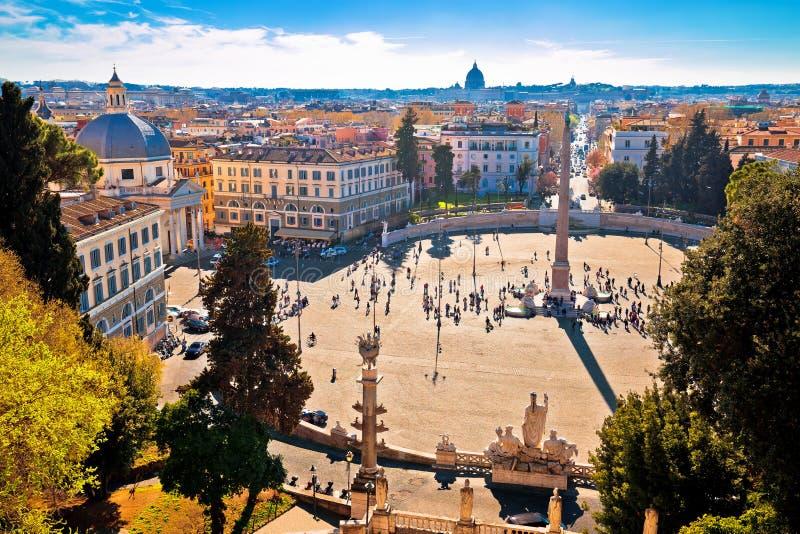 Piazza del Popolo或人在罗马视图永恒的城市从上面摆正 库存图片