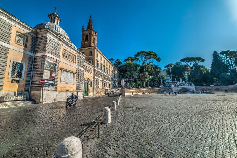 Piazza del Popolo μια ηλιόλουστη ημέρα στοκ φωτογραφία