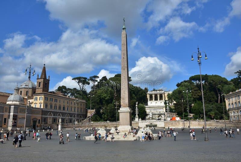 Download Piazza del popolo photo éditorial. Image du obélisque - 76088381