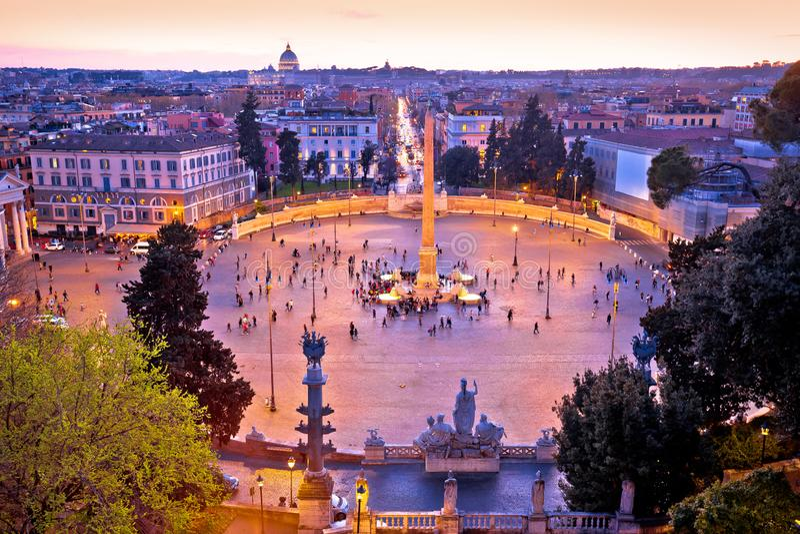 Piazza del Popolo o la gente quadra in citt? eterna della vista del tramonto di Roma immagine stock libera da diritti