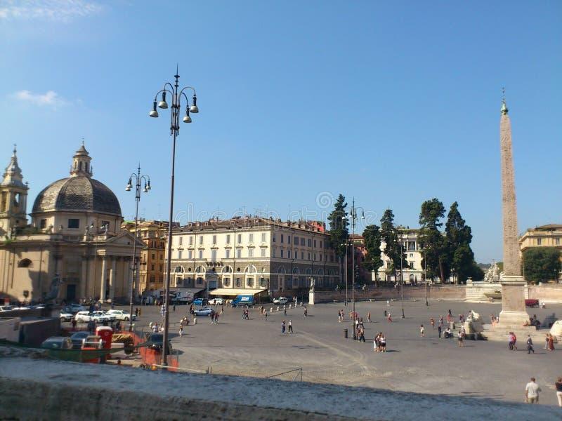 Piazza del Popolo Roma sous un ciel shinning photos libres de droits