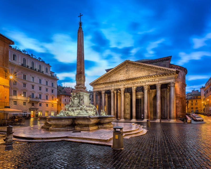 Piazza della Rotonda and Pantheon in the Morning, Rome, Italy stock photography
