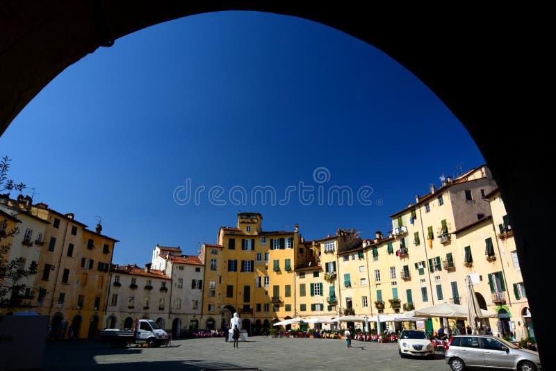 Piazza dellanfiteatro. Luca, Toscanië, Italië. royalty-vrije stock foto's