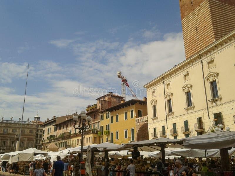Piazza delle Erbe in Verona royalty-vrije stock fotografie