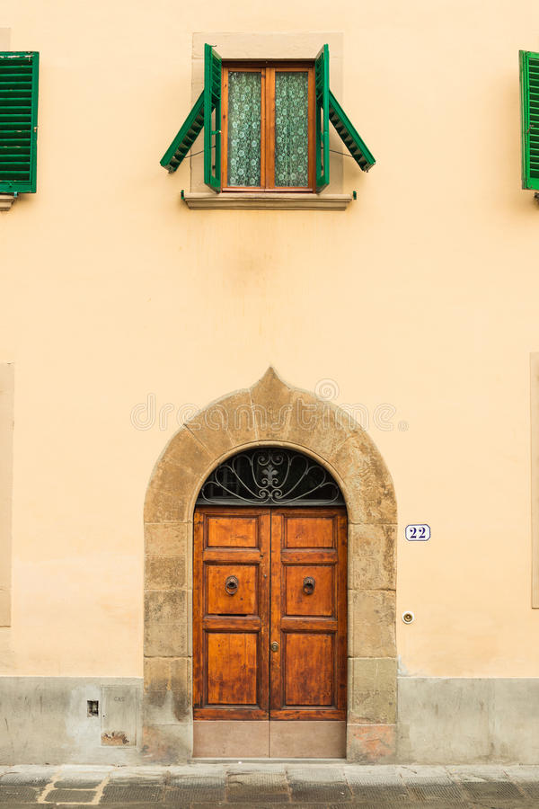 Piazza Di Santo Spirito λεπτομέρειες αρχιτεκτονικής στη Φλωρεντία στοκ εικόνες
