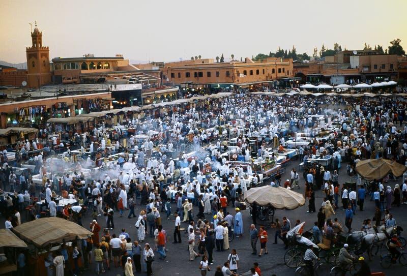 Piazza Djem EL fnaa in Marrakesch stockbilder