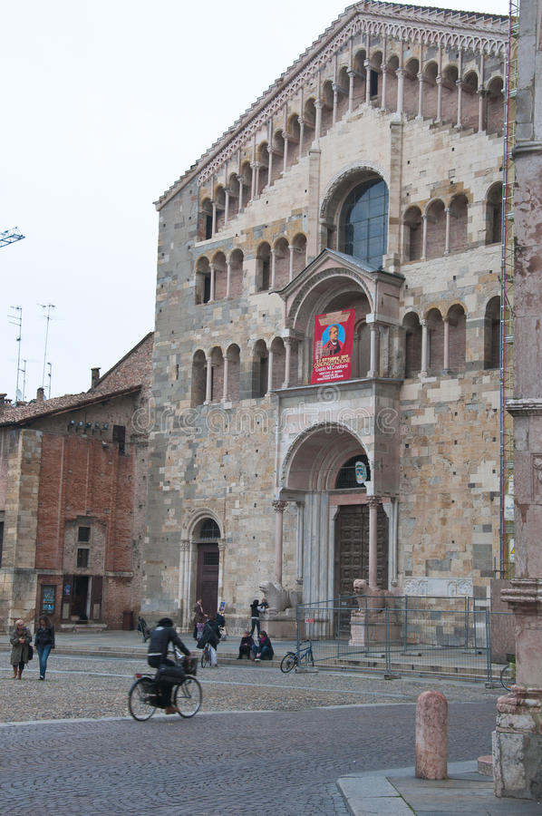 Piazza Duomo med domkyrkan i parma royaltyfri bild