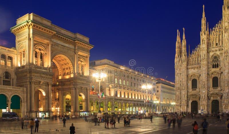 Piazza Duomo, Milão imagem de stock